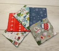 """FQ Pack of 5 Happy Holidays Christmas 18"""" X 22"""" Fabric, 100% Craft Cotton Fat Quarters, The Craft Cotton Company"""
